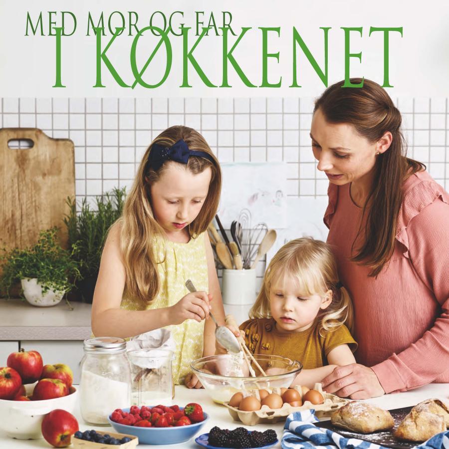 Med mor og far i køkkenet foto